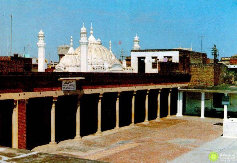 Coming from every distant track: Sir Maharaja Yadavindra Singh of Patiala visits Qadian