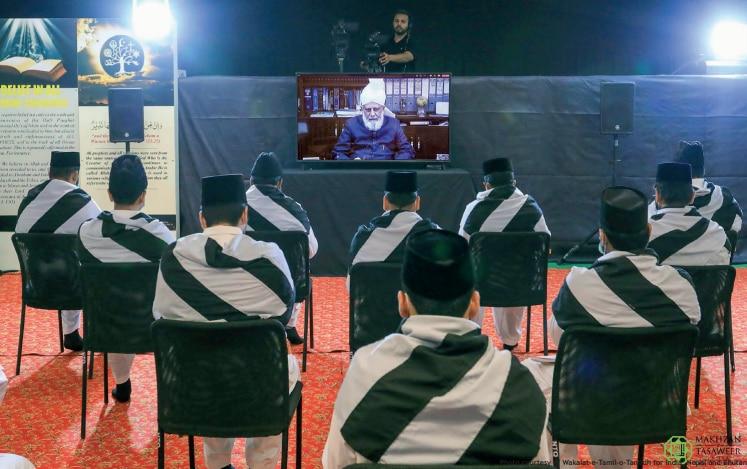 Khuddam amila of Jamaat India meets Huzoor