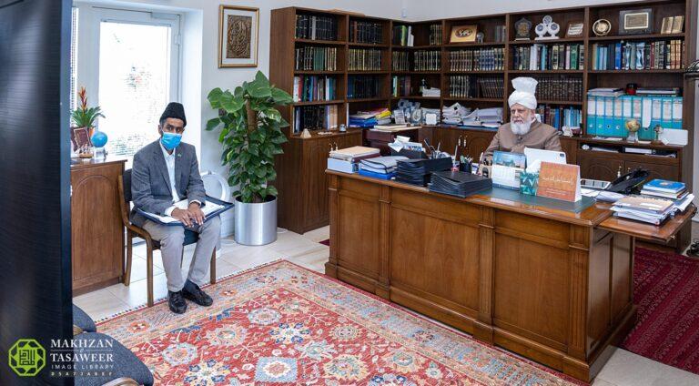The world is heading towards a dark and bleak end: Khuddam from Northern England and Scotland meet Hazrat Khalifatul Masih